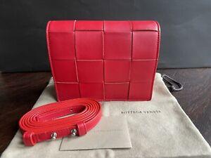 Bottega Veneta Mini Cassette Intrecciato Crossbody Bag Lammleder Chili Red