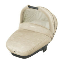 The lightweight safety carrycot Compact Streety Nomad Sand Bébé Confort