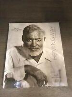 Hemingway. La vita e dintorni - Libro