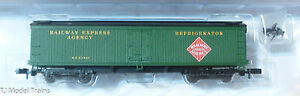 MDC Roundhouse #82702 (Rd #1853) Railway Express Agency / 50' Express Reefer