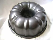NEW TRADITIONAL NON-STICK BUNDT BUNT SAVARIN RING ROUND CAKE TIN PAN 24cm PRIMA