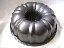 NEW TRADITIONAL NON-STICK BUNDT BUNT SAVARIN RING ROUND CAKE TIN PAN 24cm PRIMA