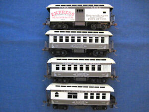 (4) - UNION PACIFIC - Old Time Looking - Passenger Cars - HO - used