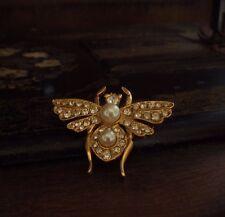 VINTAGE Bee Insetto Clear Crystal & Perla Spilla. placcato oro firmato.