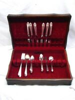 Holmes & Edwards Inlaid Lovely Lady Silverplate Flatware Set 32 pcs Flatware B