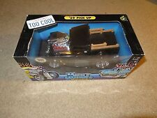 Muscle Machines '29 1929 Ford Pick Up Truck 1:18 Scale Black Diecast MISB 2002