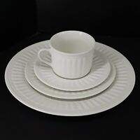 ONEIDA Ariel Stoneware White 4 Piece Place Setting Dinner Salad Cup Mug Saucer