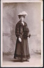 STUDIO RP POSTCARD YOUNG EDWARDIAN WOMAN WISHES MERRY XMAS 1907 WITH A FLOURISH