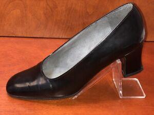 Stuart Weitzman Black Leather Pumps (Size: 5)