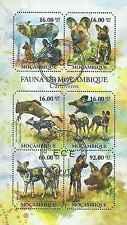 Timbres Chiens Mozambique 4034/9 o année 2011 lot 11256 - cote : 22 €