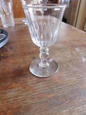 Ancien verre en cristal taillé cote creuses renaissance jambe prisme un bouton