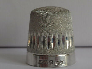 Lovely Vint. Heavy Stephen J. Rose Sterling Silver Thimble Hallmarked Birm. 1971