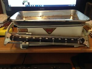 German Herko 5kg kitchen scale dates to 1960's and is in great working order