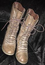 Breckelles Women's Boots Lace Up Side Zip Gray Distressed Block Heel Size 9 EUC