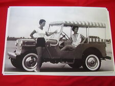 1950 'S  1960'S WILLYS JEEP WITH SURREY TOP   11 X 17  PHOTO /  PICTURE