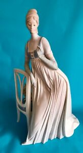 Lladro Large Figurine Lady Empire 4719 Lady with Dog on Chair