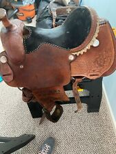 15 inch Roping saddle wide 8in gullet. Preowned