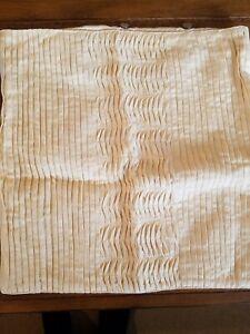 "April cornell Pillow Cover - 16"" x 16"" - 100% Cotton"