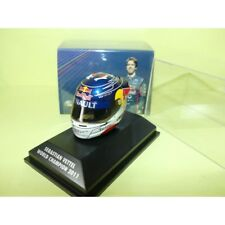CASQUE SEBASTIEN VETTEL GP WORLD CHAMPION 2011 ARAI HELMET MINICHAMPS 1:8
