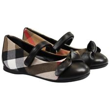 🎁New Burberry Girl shoes in size 8.5 (26), very pretty!!