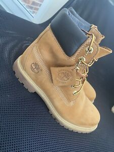 Women's size 5 uk genuine timberland boots Wheat, Camping, Walking, North Face1