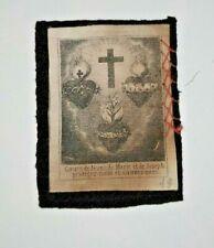 Breve ex voto in lana e stoffa stampata cuore e croce di Gesù