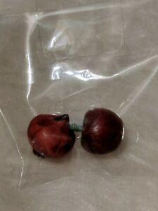 2 Pcs Dollhouse Ceramic Vegetable Onion Fruit Apple Miniature Accessory NEW