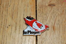 PINS PIN'S BOBSLEIGH  BONNET LA PLAGNE