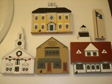 Cats Meow 1987 Maine Christmas Series (4 pieces) plus the Maine state flag +bags