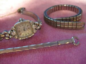 14k White Gold Bulova 23 with 6 Diamonds Ladies Wristwatch Wrist Watch RUNS