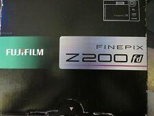 Fujifilm FinePix Z Series Z200fd 10.0 MP Digital Camera 4GB SanDisk HDSC memory