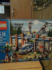 Lego 4440 City  Forest Police Station  NEW NIB