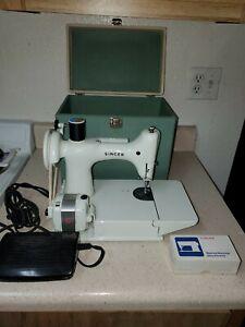 Vintage Rare 1964 SINGER 221K White Featherweight Sewing Machine w/ Case