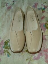 Ladies ARA Cream & Nude 'Jenny' Leather Shoes. Size 4UK / 37EU. Excellent Cond.