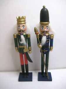 """Set of 2 Decorative Christmas Nutcrackers 7"""" King and 9"""" Soldier Guard"""