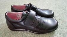 Girls Petasil narrow black school shoes, size 1 / EU 33 width D