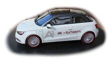 Audi A1 Etron Blanc Glacier/Gris Quartz (Edition Limitée 99 Ex.) 1/43 Looksmart