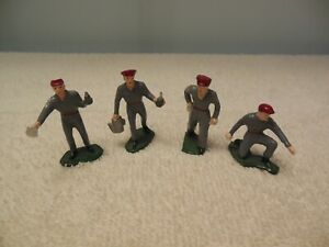 4 Metal O scale Gas Station Attendant Figures