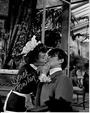 DEREK FOWLDS hand-signed YES MINISTER 8x10 uacc rd coa FUNNY SCENE BEING KISSED