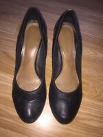 Well Worn Black Leather Clarks Cabin Crew Court Shoes Size 6.5