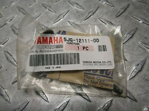 2001 2002 Yamaha WR YZ 426 F WR426F YZ426F OEM Intake Valve 5JG-12111-00-00