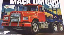 MACK DM600 Camion Tracteur MPC 859 1:25 Kit Plastique