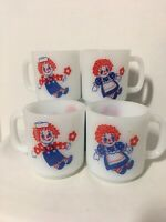 Set of 4 Vintage Raggedy Ann and Andy White Milk Glass Coffee Tea Mugs Cups VGC