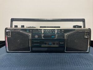 GE General Electric 3-5622A Cassette Tape Radio Boombox . Tested works