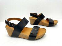 CLARKS Women's Auriel Fin Mid Heel Wedge Sandal Black Size 8M