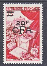 Reunion CFA 319 1953 fleurs NEUFS**.TB MNH sin charnela cote 16