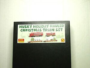 MICRO-TRAINS N SCALE CHRISTMAS TRAIN SET HUSKY HOLIDAY HAULER 99321290