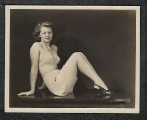 LQQK 5x6 vintage 1940s original, LOVELY GLAMOUR MODEL POSED WAY BACK WHEN #25