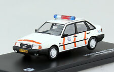 Volvo 440 Rijkspolitie Polizei Niederlande 1990 1:43 Triple 9  Modellauto 43069