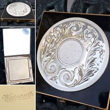 VINTAGE COMPACT STERLING SILVER MEDALLION WADSWORTH MADE IN THE USA